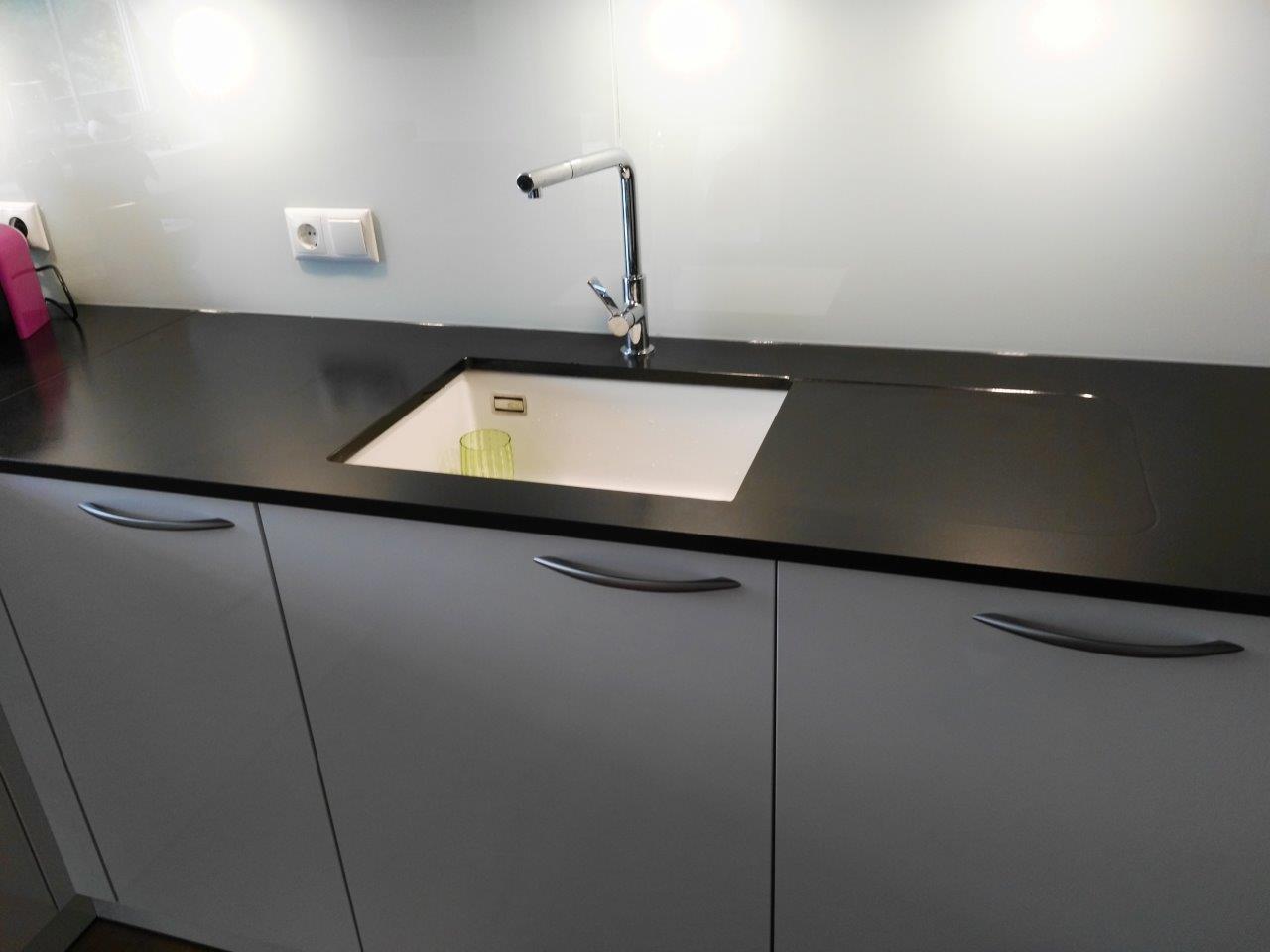steinplatte kche interesting full size of kuche orange. Black Bedroom Furniture Sets. Home Design Ideas
